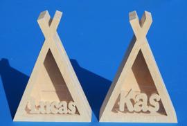 Sparbüchse Spardose Tipi Zelt mit eigenem Namen aus Holz als Mutterschaftsgeschenk.