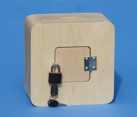 Spaarpot van hout met eigen naam model Vierkant.