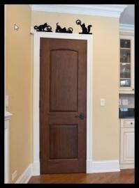 Wanddecoratie boven deur kat met vogel 1