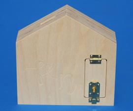 Spaarpot hout met eigen naam model Huis