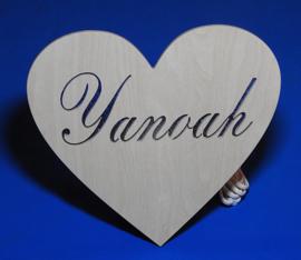 Wand lamp hartje kinderkamer met eigen naam en ontwerp.