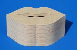 Spaarpot hout met eigen naam model Kus Kiss.