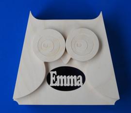 Sparbüchse Spardose Modell Owl 3 mit eigenem Namen aus Holz als Mutterschaftsgeschenk.