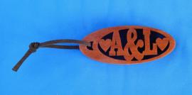 Sleutelhanger Ovaal naam speciale tekens art.nr 15004