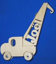Spaarpot hout met eigen naam model Kraanwagen.