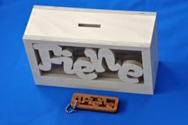 Spaarpot van hout met eigen naam model MICK Speels.