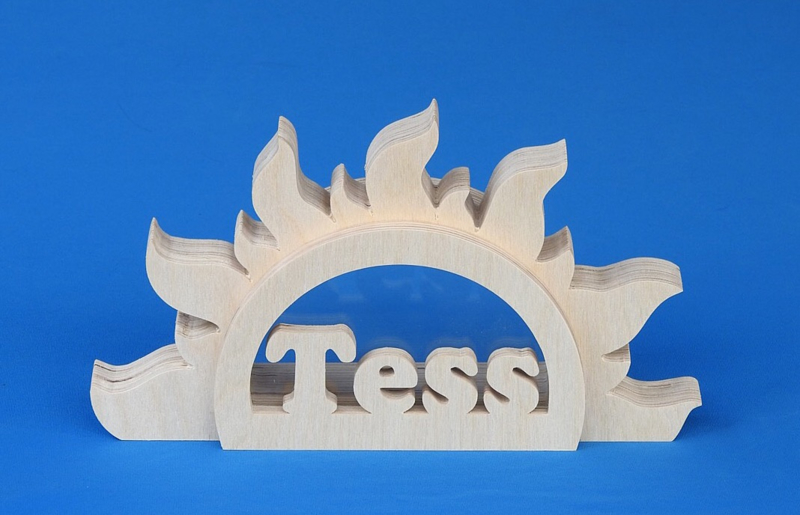 Sparbüchse Spardose Modell Sonne mit eigenem Namen aus Holz als Mutterschaftsgeschenk.