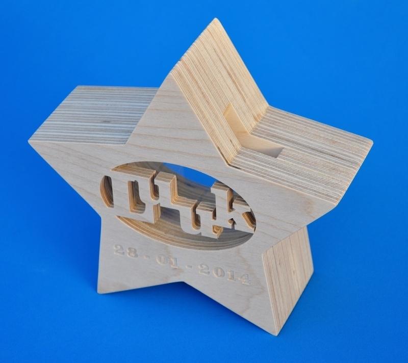 Spaarpot hout met eigen naam model Ster.