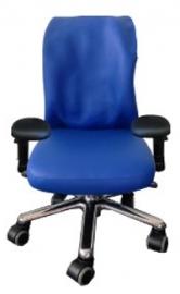 Aangepaste stoel bij scoliose voor schoolgaand kind