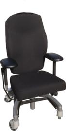 Casus maatwerk bureaustoel complexe hernia met uitval in de benen en mobiliteitsbeperking.
