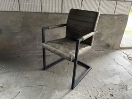 ANITA industriële eetkamer stoelen metaal Olijf groen  nu van