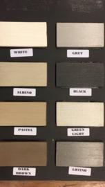 204 Landelijk buffetkast of vitrinekast met  zwart ombouw en wit van Binnen 210 cm breed een 220 cm hoog voor een speciale prijs