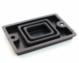 Rubber (onder deksel van rem of koppeling pomp) 43x65mm Boutafstand 55mm (c1511r)
