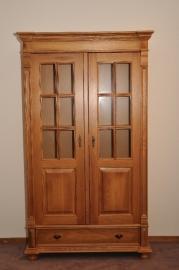1.8 vitrine kast