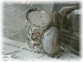 1 RING SETTING (NR 156) VOOR CAMEE OVAAL 18 X 13 MM