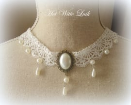 CHOKER BROCANTE WIT OFF WHITE BRONS