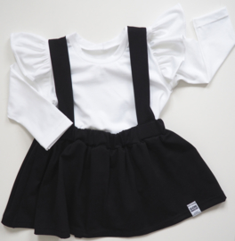 Kleine Baasjes Organic - Suspender Skirt Black + Ruffle top wit