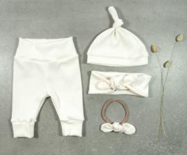 Kleine Baasjes Organic - Newborn knoopmutsje rib cream