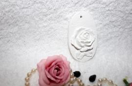 medalion met roos