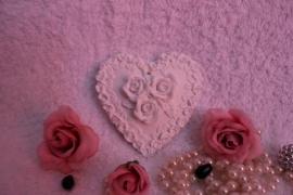 Hart met een krans van rozen.