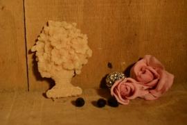 vaasje met bloemen
