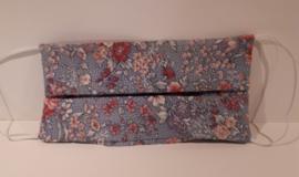 Mondkapje blauw met stip en bloem