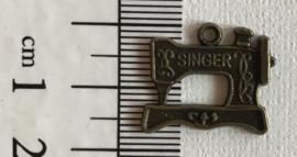 Bedel naaimachine brons