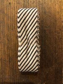 Zwart wit zand schuine streep 2 cm