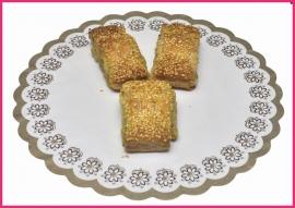 Mini Kip kerrie ragout broodje per stuk.