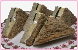 Mini Sandwiches Room brie per 2 stuks..