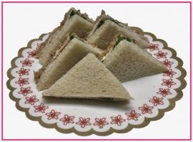 Mini Sandwiches gebraden kip per 2 stuks..