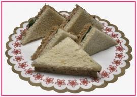 Mini Sandwiches Tonijnsalade per 2 stuks..