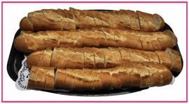 Stokbrood gesneden per stuk.