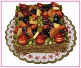 Vierkante Vruchten Taart  geschikt  vanaf 8  personen.