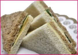 Mini Sandwiches Oude kaas per 2 stuks..