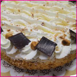 Hazelnoot Slagroom taart 12 personen