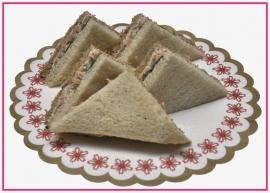 Mini Sandwiches Hollandse garnalen per 2 stuks..