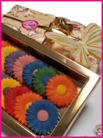 Chocolade margrieten gekleurd ± 190 gram