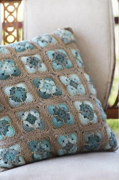 Vinnis Colours Mother of Pearl shoulder bag in Serina