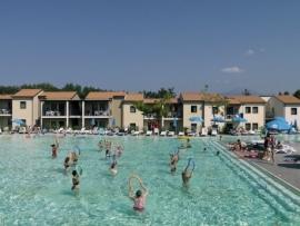 Gardameer / Castelnuovo del Garda,  Belvedere Village  ( De Jong Intra )