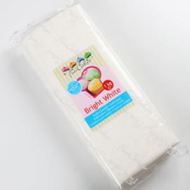 FunCakes Rolfondant Wit - Bright White 5KG emmer