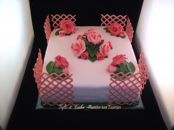 rozentuin taart rozen rozentaart