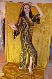 Baladi jurk - goudbruin met haarversiering