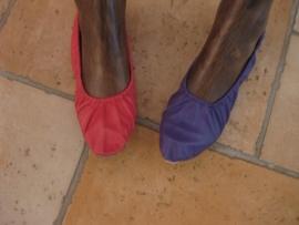 Schoenen diverse kleuren met een zachte, platte zool