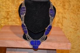 Halsketting, elementen met lapis lazuli stenen