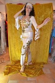 Baladi jurk. Wit met goud