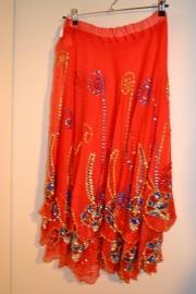 Cirkelrok, rood, versierde stof