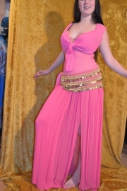 Roze body met bh en rok met muntheupband