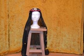 Hoed, versierd, lange zwarte sluier