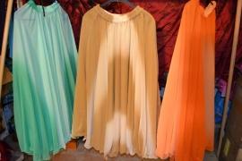 Prinsessenrok, mêlee stof. Wijde rok, zoom is golvend. Diverse kleuren
